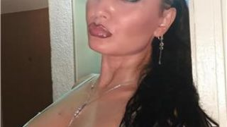 escorte buc: Lorena-poze reale, vezi tatuajele